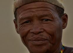 san-tribesman-copyright-photographers-on-safari-com-7013