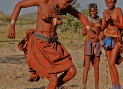 Himba-Tribe-copyright-photographers-on-safari-com-6952