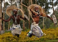 traditional-dancing-rwanda-3087-copyright-photographers-on-safari-com