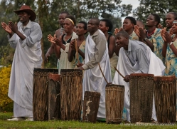traditional-dancing-rwanda-3077-copyright-photographers-on-safari-com